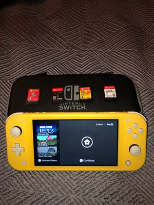 Nintendo Switch Lite (Includes 4 games and the case) for Sale in Wichita, KS
