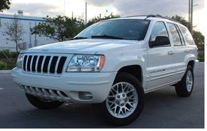 Low Miles 2004 Jeep Grand Cherokee AWDWheels for Sale in Wichita, KS