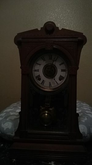 Mantle clock for Sale in Phoenix, AZ