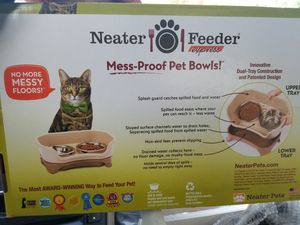 Cat food bowls for Sale in Austin, TX
