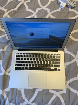 2014 MacBook Air '13.3 works perfect! Comes with charger for Sale in Los Angeles, CA