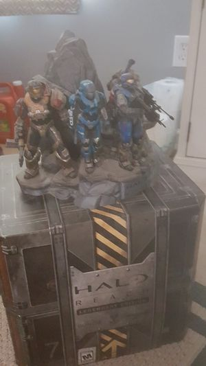Halo Reach Legendary Edition Box and collectibles (no game) for Sale in Apex, NC