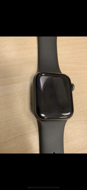Apple series 4 290 OBO for Sale in Los Angeles, CA