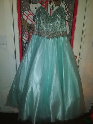 Beautiful formal dress 2X women's for Sale in Bakersfield, CA