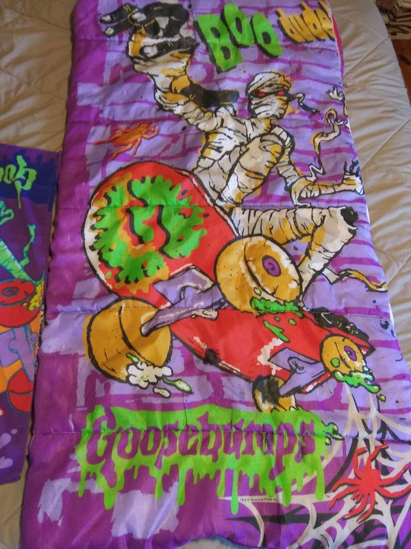 Goosebumps Sleeping Bag with double sided pillow case