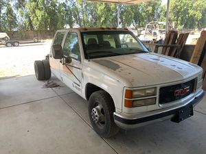 2000 GMC Sierra 3500 Dually part out for Sale in Bloomington, CA