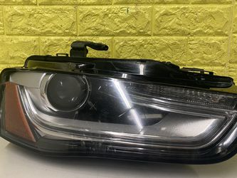 2013-2016 AUDI A4 S4 RIGHT HEADLIGHT DRIVER SIDE LED XENON USED GENUINE OEM. R2 for Sale in Lynwood,  CA