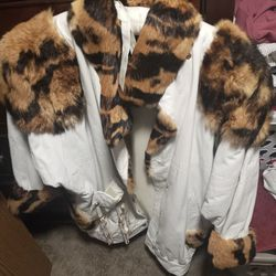 1980s White Leather Jacket With Rabbit Fur for Sale in Henderson,  NV