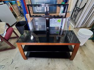 50 inches TV Stand for Sale in Hialeah, FL