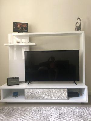 Tv stand (Eldorado) for Sale in West Palm Beach, FL