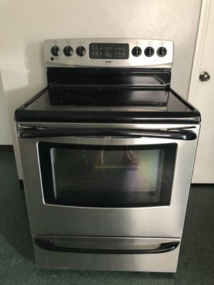 Kenmore Smooth top stove for Sale in Roanoke, VA