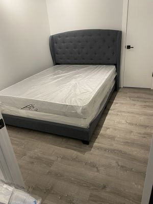 Queen bed frame with headboard and mattress and box spring included 400$ whole set brand new delivery available for Sale in Chicago, IL
