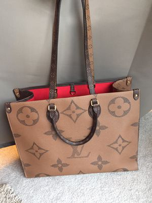 Louis Vuitton LV Tote Shoulder Bag Purse Handbag for Sale in Zionsville, IN