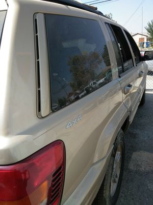 Parts Jeep Grand cherokee 99 v8 for Sale in Bakersfield, CA
