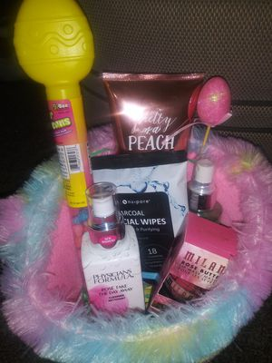 Teen Easter baskets🐣 for Sale in San Bernardino, CA