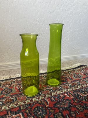 Green Flower Vase Set of 2 for Sale in Mesa, AZ