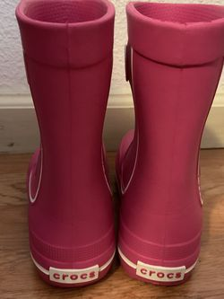 Girls Crocks Rain Boots Pink for Sale in Rodeo,  CA