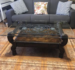 Living Room Glass Top Coffee Table for Sale in La Puente, CA
