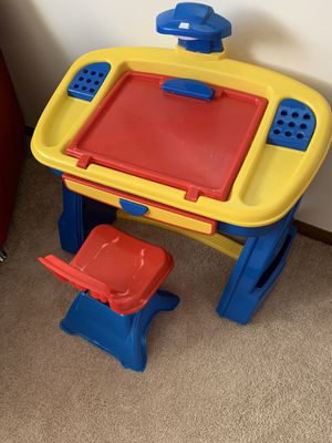 Kids desk and chair for Sale in Elk Grove Village, IL