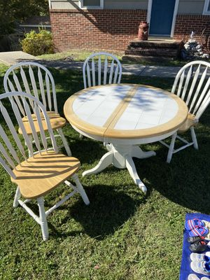 Kitchen table for Sale in Hanover, MD