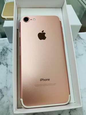 iPhone 7 (32 GB) Unlocked With Warranty for Sale in Arlington, MA