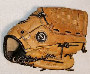 "Nike Keystone Diamond Ready 1200 12"" fielders glove right hand throw for Sale in Salem, NH"