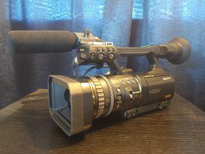 Sony HVR-V1U MiniDV Camcorder 1080i HDMI for Sale in Baldwin Park, CA