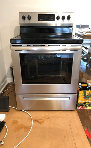 Brand New FrigidaireElectric Range and Oven Stainless Steel (Have Proof of Purchase for Warranty) for Sale in Falls Church, VA