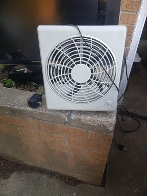 Fan for Sale in Dearborn Heights, MI