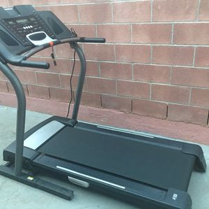 Treadmill for Sale in East Los Angeles, CA
