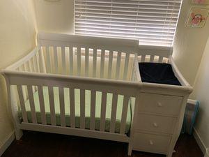 Baby crib 4-1 / cuna de bebe for Sale in Miami, FL