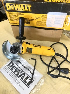 DEWALT 7 Amp 4-1/2 in. Small Angle Grinder with 1-Touch Guard for Sale in Arlington, TX