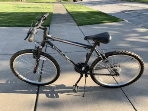 Men's bike for Sale in Cleveland, OH