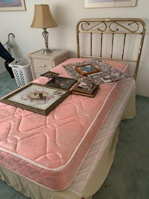 Brass twin bed pompano beach for Sale in Pompano Beach, FL