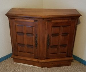 Small Wood Hutch for Sale in Templeton, CA