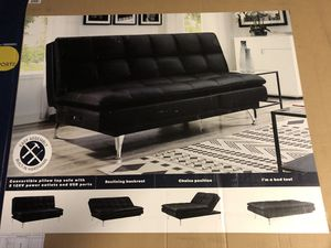 Serta Dream Morgan Convertible Top Sofa Whit 2 120 v Power outlets and USB Ports for Sale in Palmdale, CA