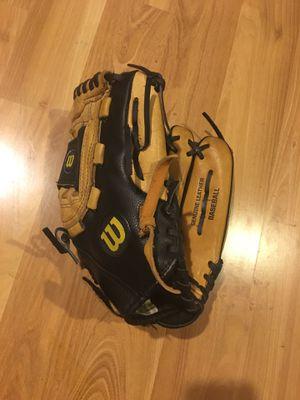 Wilson baseball glove size 12'' for Sale in Renton, WA