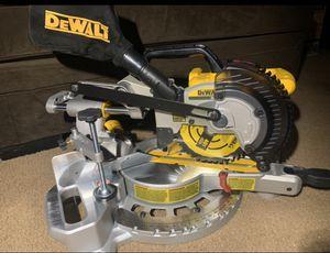 DeWALT 20v cordless Sliding MITER SAW for Sale in Pomona, CA