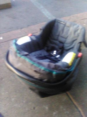 Car seat for Sale in Lawrence, IN
