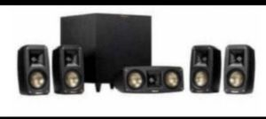 Klipsch Reference Theater Pack 5.1 Channel Surround Sound System for Sale in Schaumburg, IL