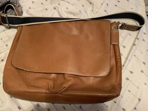 Messenger coach bag for Sale in Houston, TX