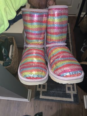 Ugg boots big girls size 5 for Sale in Newnan, GA