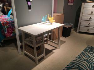 Small White Office Desk with Basket for Sale in Pico Rivera, CA