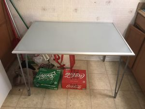 Table for Sale in West Covina, CA