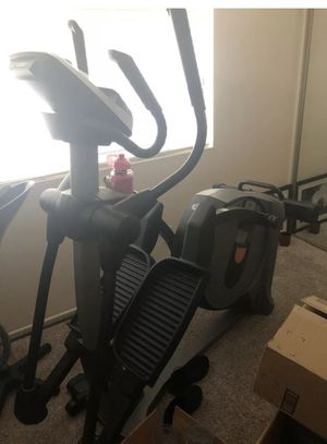 Norditrack elliptical e5.5 for Sale in Corona, CA