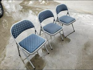 FOLD UP CHAIRS for Sale in La Puente, CA