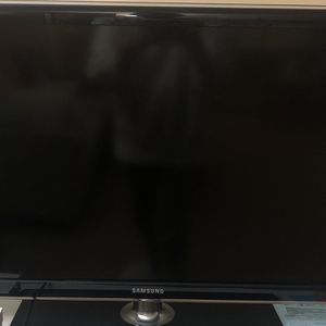 Samsung 32-Inch 720p LED HDTV for Sale in Watertown, MA