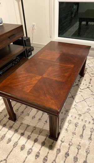 Coffee table with 2 matching end tables for Sale in Kirkland, WA