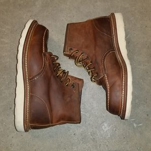 RED WING HERITAGE moc toe boots size 9.5 for Sale in Houston, TX