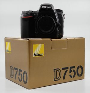 Nikon D750 body with flashpoint grip for Sale in Miami, FL